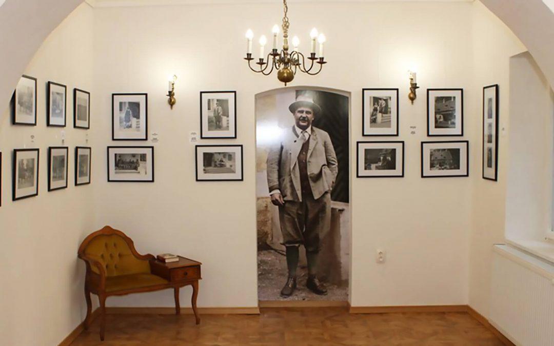 """""""Fotky z kaštieľa"""" – slávnostné otvorenie výstavy"""